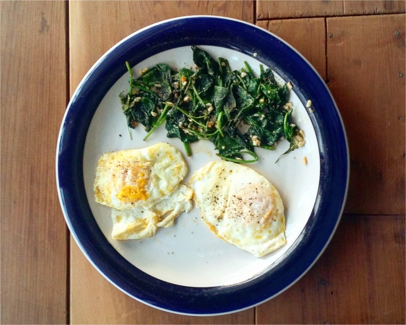 Simple Keto Breakfast – Eggs and Spinach