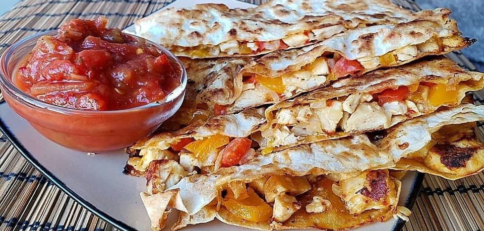 Keto Quesadilla with Southwest Chicken